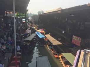 Floating Market Traffic